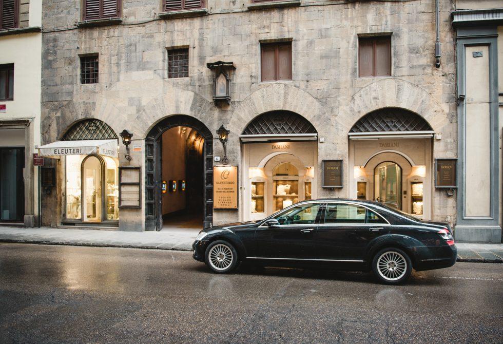 Enjoytuscany by Linker limousine service in Livorno